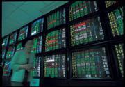 ■投資基金不容易賺錢,自己買股票又容易賠錢。今年是投資困頓的一年。