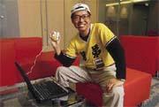 兄弟象總教練林易增是洪漢青小學棒球隊學長,讓IBM與兄弟象的合作一拍即合。