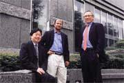 從小移民美國的楊應超(左)、生長在印度的夏鮑文(中)和來自台北的林群(右),三個人從地球不同的角落飛往芝加哥相逢。他們對台北股市的影響力,至少有800億元。