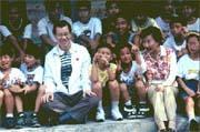 蕭萬長(前排左二)接受朱俶賢(前排右二)的建議而變更中秋節行程。