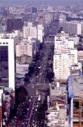 街道狹小壅塞的台灣,為直升機帶來龐大商機。