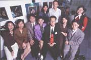 人生起起落落,蔡政哲(前排右三)在美兆尋得另一個事業高峰。