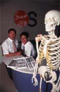 精機成為第一家生產骨釘、骨板的醫療器材中心。