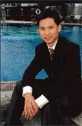 憑藉在電訊市場經營多年的經驗,袁文達跨足網路市場信心十足。