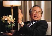 李正福:現在政府內部各自為政,我認為陳總統應該率全體政府官員,向全國民眾道歉,改過自新。