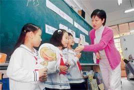 這幾年英語教學普及,可看出需求的增加,讓教育變得多元,老師的能力也必須配合增進才能因應。