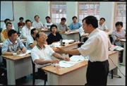 台大MPA班甫開課,立即受到各界注意,第一屆25位學生,多半是公務員。