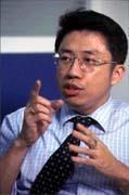 鄒德陞認為,玩電子商務,通路非常重要。