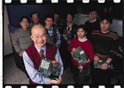 吳欽智(左)今年要帶領DDR團隊,力搏威盛、矽統。