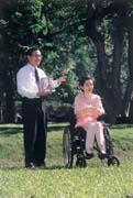 陳水扁(左)訪美總是只聞樓梯響,吳淑珍(右)「代夫出征」先行出發。