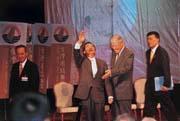 摩西(李登輝,中)與約書亞(陳水扁,左),「父子」聯手帶領台灣的「出埃及記」。
