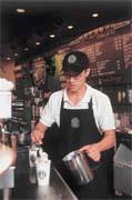 不管煮幾杯咖啡,都像初學般專注,是詹昌憲不同於別人的地方。