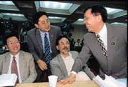學者立委帶來立院和諧氣氛,問政溫和的黃德福(右一)可說是其中代表。(左起陳金德、陳建銘、林濁水)