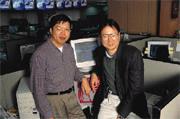 王志東(左)與姜豐年(右)一同打拚出新浪網的華人品牌大夢,但新浪網每下愈況的表現,卻維繫不住兩人的革命情感。