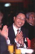 陸委會副主委高孔廉出席東亞銀行台北分行的開幕式致賀。