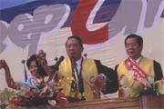 超級助選員宋楚瑜(中)對國民黨選情不表樂觀。
