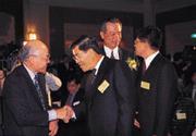 ■蕭萬長以個人名義參加「台灣智庫」成立酒會,馬上被捲入「裂解國民黨」的風波中。