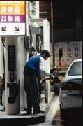 進口油品進台灣會玩出什麼新花樣,消費者拭目以待。