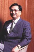 長谷集團總裁鍾正光:業者應把房地產當成產業來經營,才能不受景氣影響。