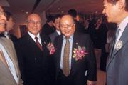 ■陳哲芳(右)證實耐斯集團對國票金持股達12%,投資的原始用意是為了支持林華德。