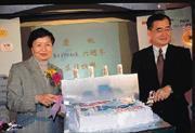 毛治國(右)曾支持葉菊蘭(左)順利出任交通部長,這次葉菊蘭也投桃報李。