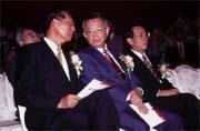 財政部規畫的護盤行動,事後往往能讓銀行大賺一筆(左起邱正雄、彭淮南、顏慶章)。