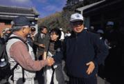自稱「從小在央行長大」的彭淮南(右)生活簡樸,平日不打小白球,只喜歡在假日時去爬山。