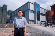 2001年,張汝京處於籌建中芯的意氣風發期,他的背後,就是座落在上海張江工業區的晶圓廠工地。