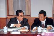 ■林明成(左)與蔡鎮宇(右)兩位金控龍頭,對央行法修法進度「霧煞煞」。