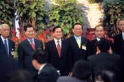 之前陳水扁還刻意拉攏蕭萬長,但蕭萬長在三二○之前力挺連宋,讓阿扁徹底絕望。