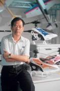 小學畢業的賴春霖說:「如果不創業,就只能去做苦工」。憑著對飛機的?「痴迷」,使雷虎成為台灣最大遙控模型廠商。