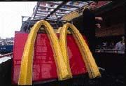 納莉過境後,麥當勞損失慘重,共有30家店面淹水。