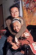 ■和宛真相依為命,奶奶完全尊重她的選擇,還說要教宛真日文五十音。
