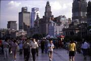 台灣人大舉移居到上海,大都為了追求更好的工作,至於是否移民,還有待觀察。