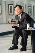 郭賢明小檔案  年齡民國41年  學歷 台大電機系  經歷金寶電子消費性  電子產品事業部  副總經理  現職金寶電子總經理