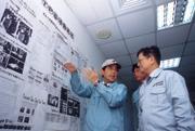 ■滿牆的各式流程改善表,就是春翔不斷創新的軌跡。