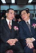 連張俊雄(右)都對王金平(左)禮遇三分。