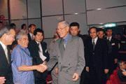 ■李登輝(前排右)在群策會對釣魚台屬日本的發言,引起在野黨要刪他的禮遇金。