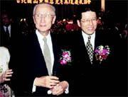圓山飯店的經營權已由辜振甫(左)和嚴長壽(右)接掌,但圓山歷史糾葛的政治因素卻非他們所能了結。