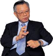 對於最近新台幣匯率的問題,彭淮南表示。目前干擾匯市因素是美元對主要幣別的變動,央行唯有採行匯率動態穩定策略來因應。