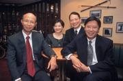 ■前國際投信董事長陳季筑(左1)、前總經理丁予嘉(右)、前副總顧素華(左2)合照情景難再。