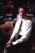 吳清友認為經營誠品就是在呈現自己的生命形態,必須不斷自我挑戰。