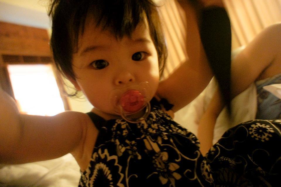 女兒玩我的相機帶,Canon 24-105mm F4
