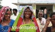 村落婦女是拯救窮人眼睛的最後一哩