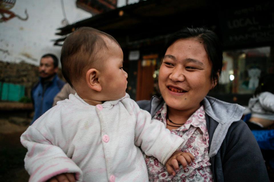 下一代不丹的笑容握在我們的手上