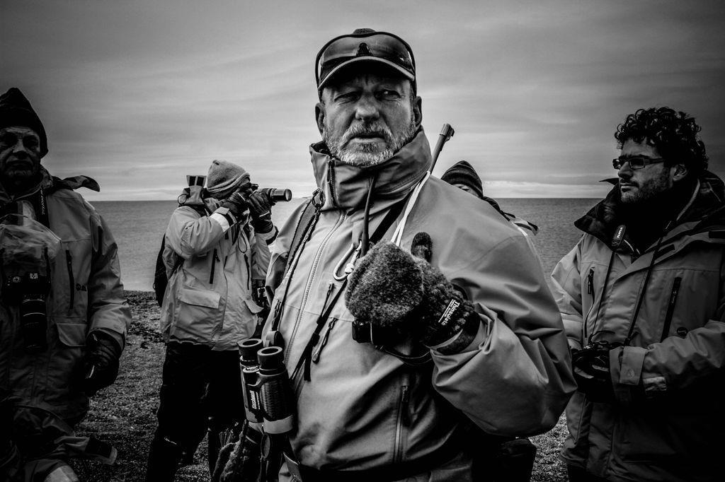 世界級的攝影者有極強的風範,這位拍地雷