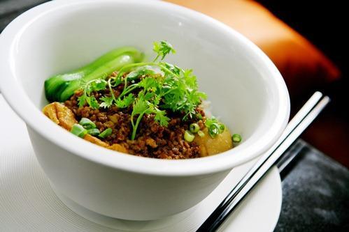 一碗400元香菇滷肉飯的秘密