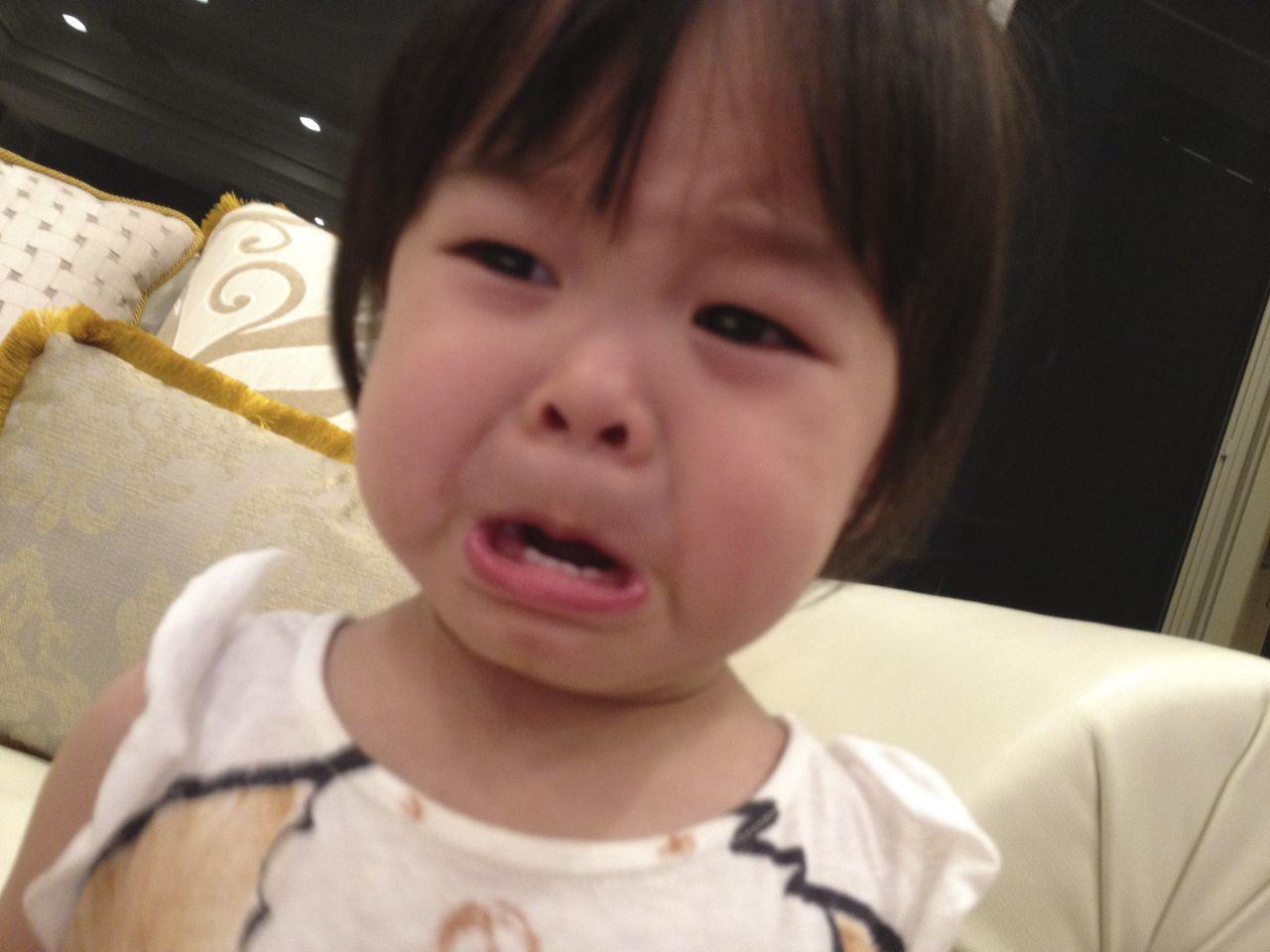 會喜歡小女孩哭臉的一定就是她的爸爸