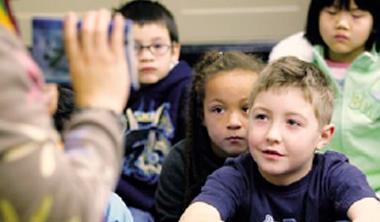 為讓3年級生蹲好學習馬步,美國有些州研議讓教師和家長為學生制定個人閱讀計畫。