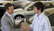 該買一台車?還是天天搭計程車?